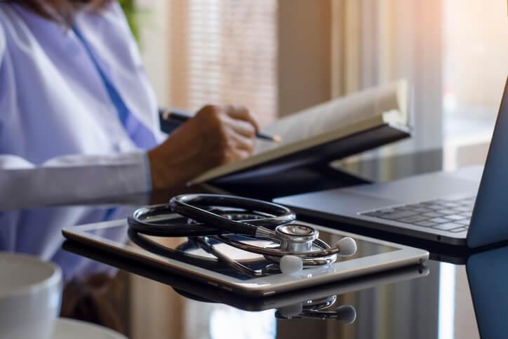 Como proteger os dados do paciente em um atestado com a CID
