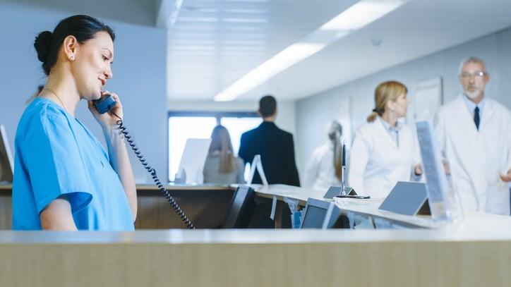 Telefonia VoIP para clínicas - o que é e porque é importante - Doctoralia