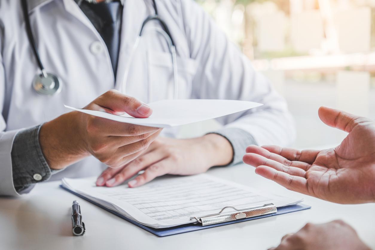 Tudo sobre atestados médicos: tipos, modelos e exigências