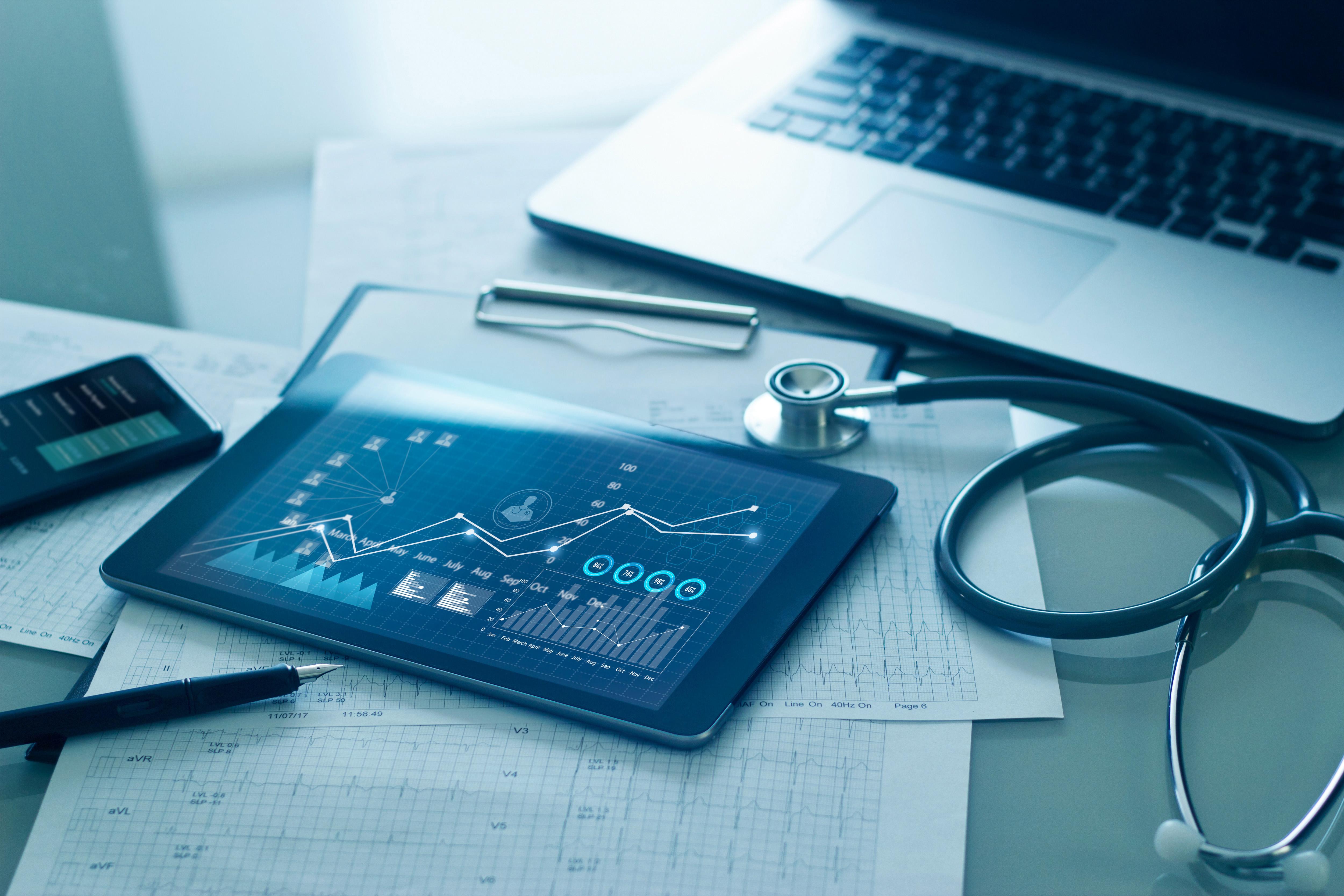 Marketing em saúde: como combinar campanhas online e offline